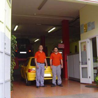 Taller reparación vehículosProyecto, Dirección de Obra y legalización